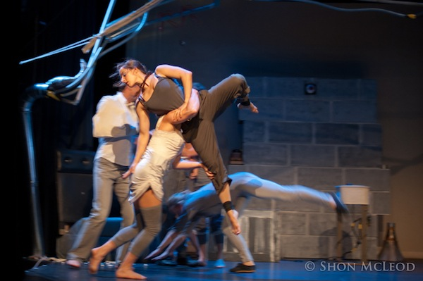 The-Five-Acts-We-Can't-Wait-to-See-at-the-Chicago-Contemporary-Circus-Festival-AcrobaticConundrum_600c399