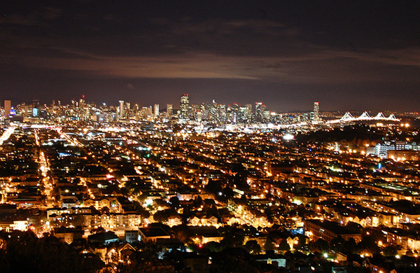 blogger_city_guide_sf_nighttime_photo_bernalheights_600c390