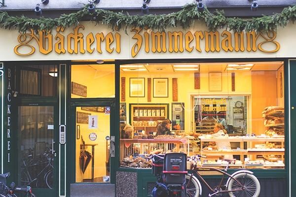 Die Fassade der Bäckerei Zimmermann auf der Ehrenstraße in Köln