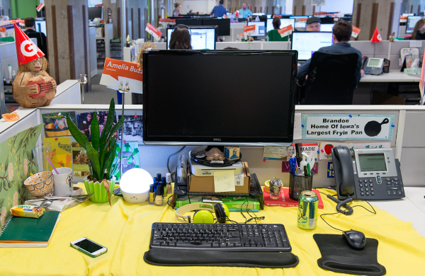 it-doesnt-take-much-to-make-over-your-desk_ab_600c390