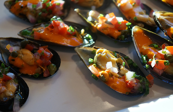 blogger_city_guide_seattle_foodevents_mussels_600c390