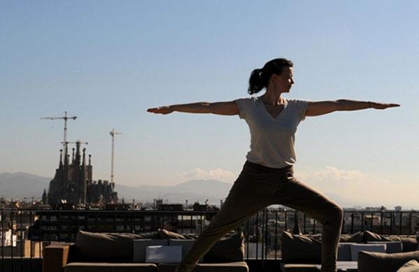 Yoga en un entorno de lujo