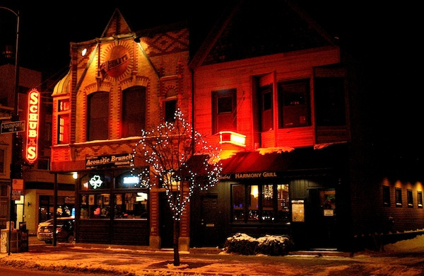 schubas-tavern-a-former-tied-house-turns-to-music_600c390