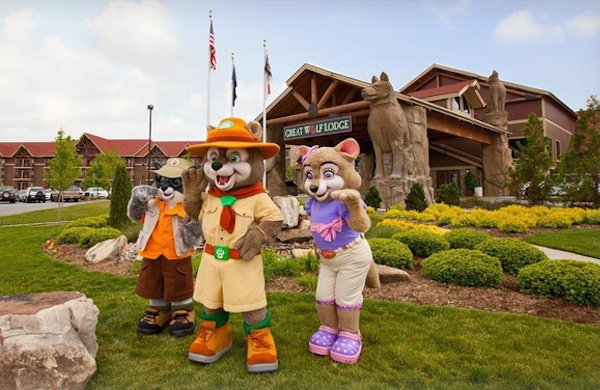 Eight ways to make the most of your great wolf lodge vacation