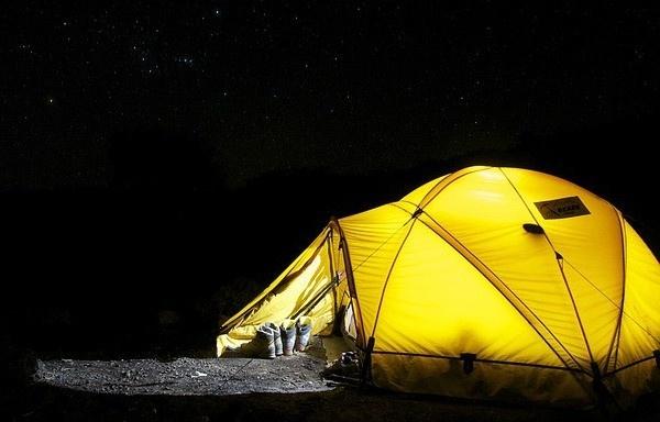 luce tenda campeggio