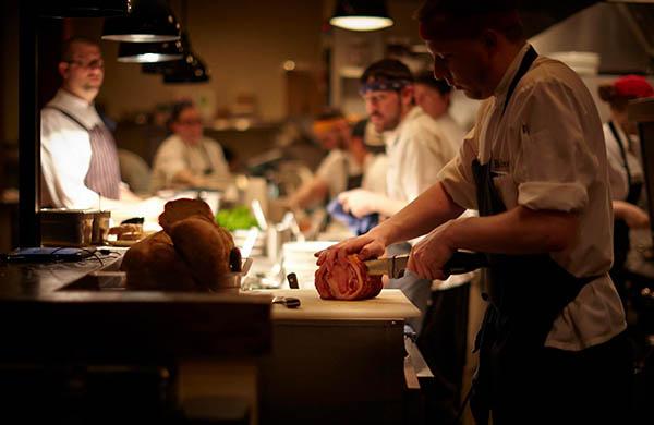 chicagos-10-old-school-iest-italian-restaurants-ranked-by-old-school-iness_balena_600c390