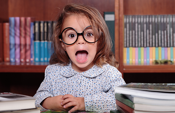 bambina compiti