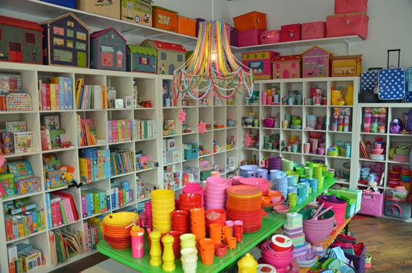 TakaTomo - kunterbunter Kinderkram und schöne Accessoires im Belgischen Viertel