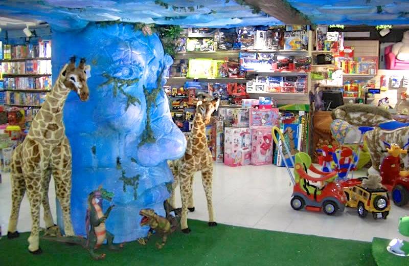 4 tra i negozi di giocattoli più famosi di Napoli
