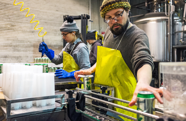 why-craft-brewers-are-canning-like-crazy_workers_600c390