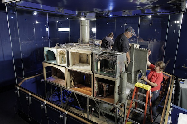 Colleen-Moores-Fairy-Castle-Gets-a-Facelift-at-the-Museum-of-Science-and-Industry-rooms_600c400