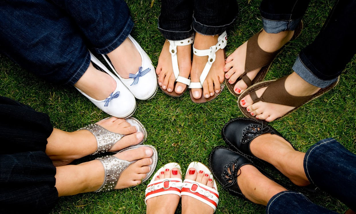 How to Match Your Pedicure Polish with Your Sandals