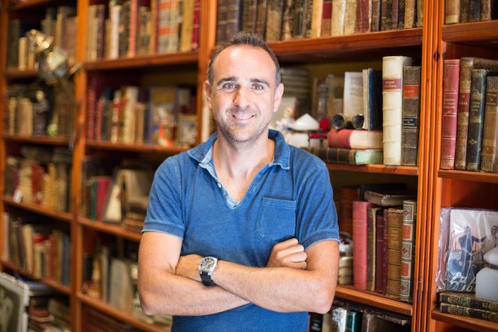 Entrevista con el creador de la Librería anticuaria Rafael Solaz en Valencia