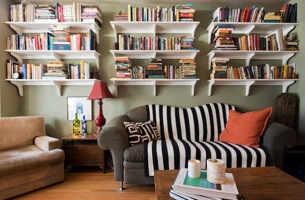 at-home-with-son-of-soren-designer-suzie-sorenson-and-artist-russ-white_books_600c390