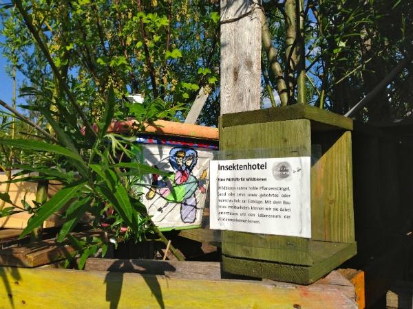 Bienenhotel im Stadtgarten auf dem Tempelhofer Feld