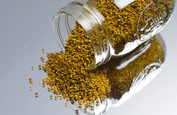 People Are Eating Bee Pollen Now, But Can Anyone Describe Its Flavor?