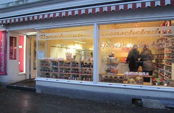 Im Bonscheladen in Hamburg gibt es Süßigkeiten von Hand gemacht