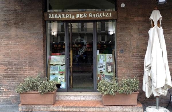 Giannino Stoppani, la libreria per ragazzi di Bologna