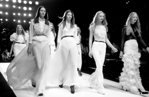 10 Steps to a Flawless Runway Walk