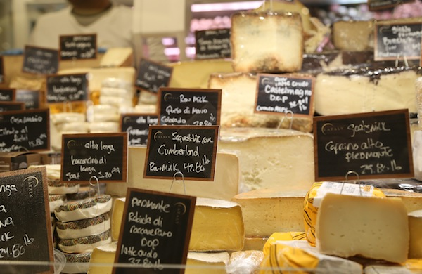 a-travel-guide-to-eataly_cheese_600c390