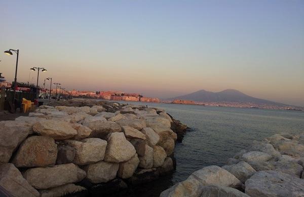 Alla scoperta degli angoli di Napoli dove sono stati girati film famosi