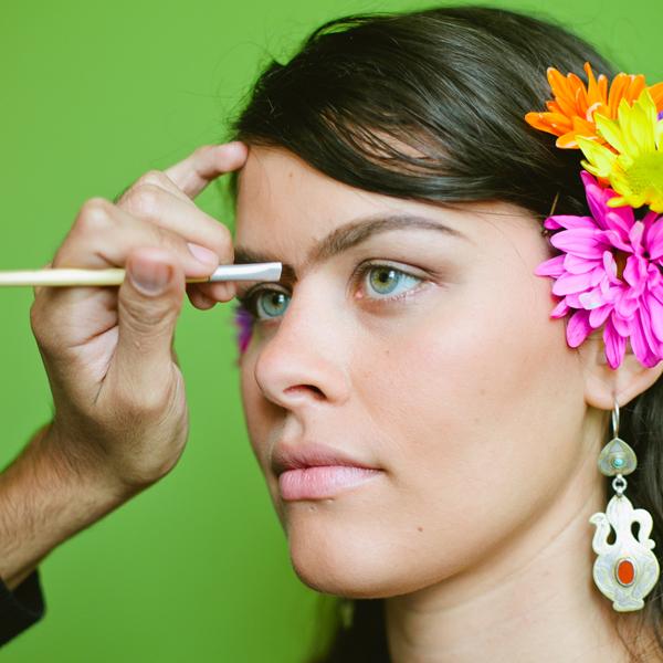 Blood-Free-Halloween-Makeup-Frida-Kahlo_Brows_600c600