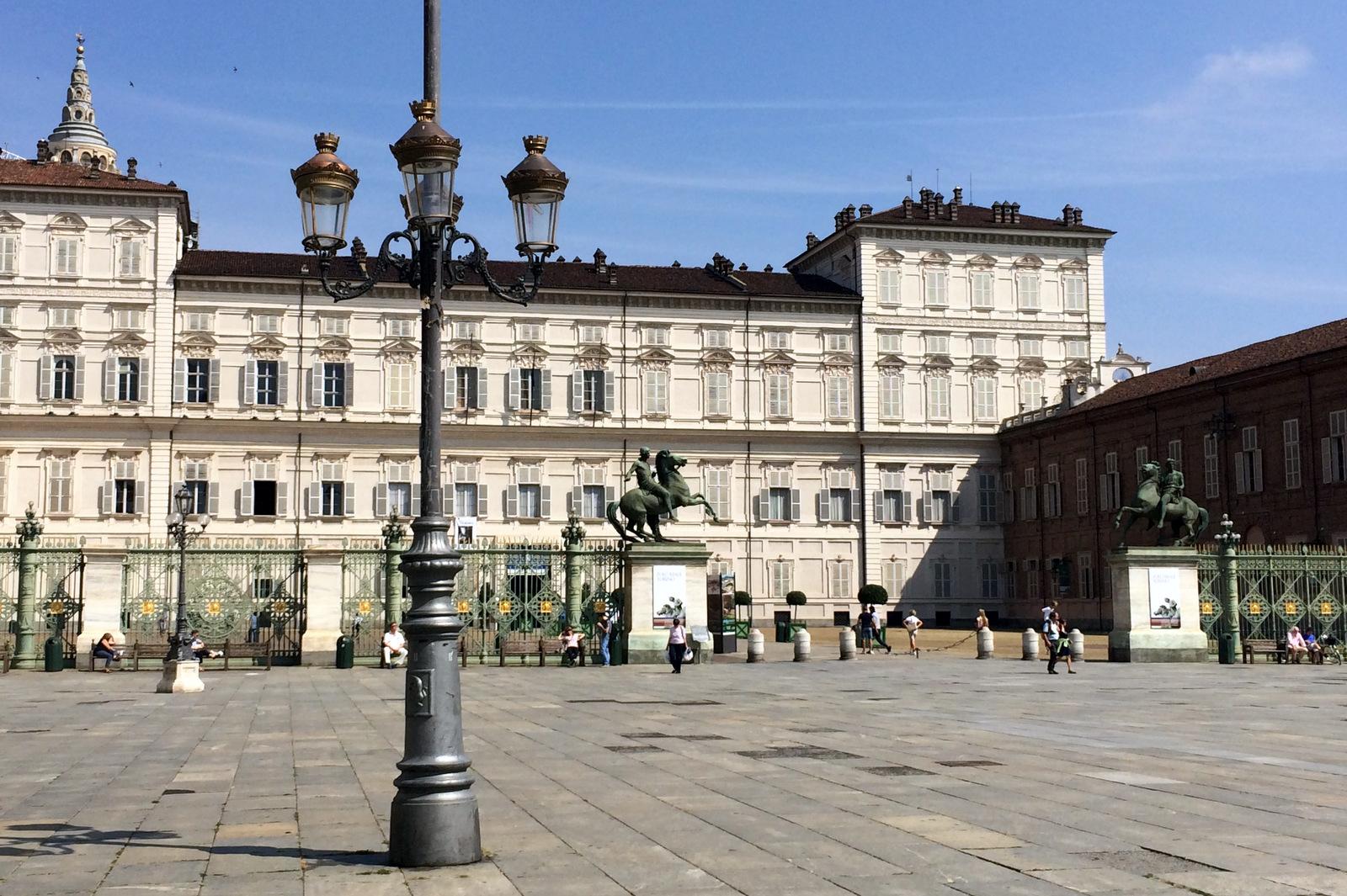 Torino magica tra Piazza Castello e Piazza Reale