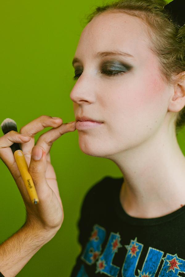 Blood-Free Halloween Makeup- A Grunge-Inspired Cat_lip_600c900