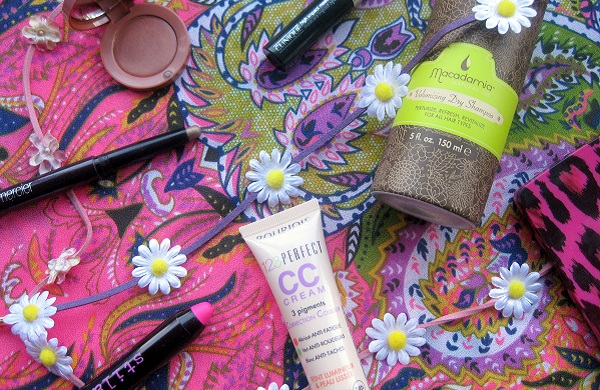 How to Shine in the Mud - 7 Festival Make-up Tips