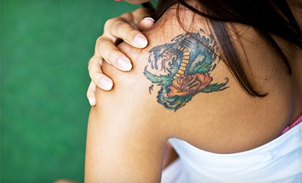Spalla tatuata