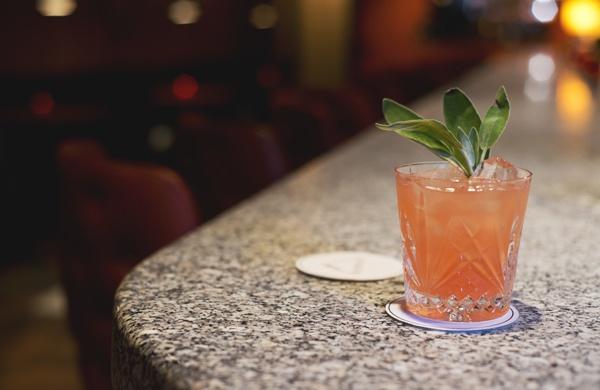 discerning-drinker_cocktail_600c390