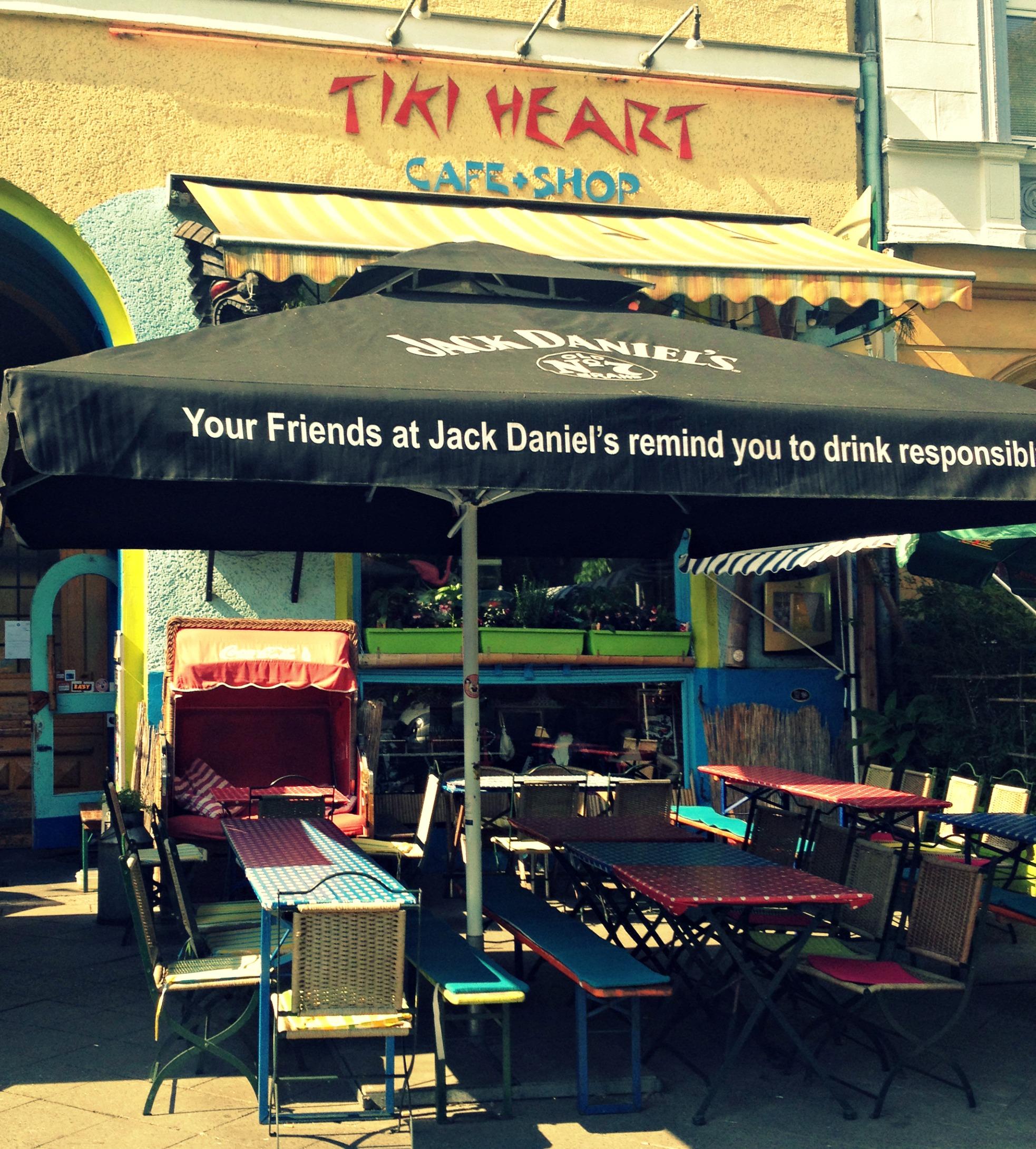 Burger, Rockmusik und gute Drinks im Tiki Heart Berlin