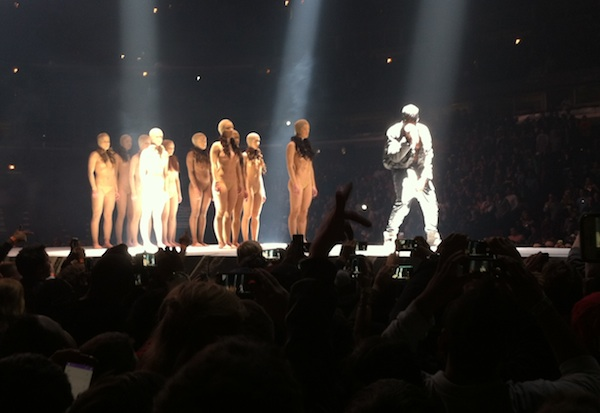 2013s-top-moments-in-chicago-concerts_kanye_600c413