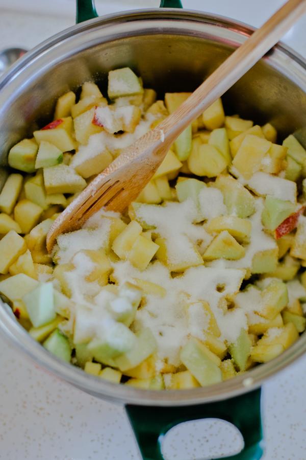 Hoosier Mama Pie Companys Sort of Simple, Multi-Hour Apple Pie Recipe_apples_600c900