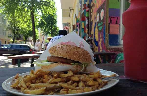 Fleischlos schlemmen in Berlin Teil I: Von Burgern und gar nicht bodenständiger deutscher Küche
