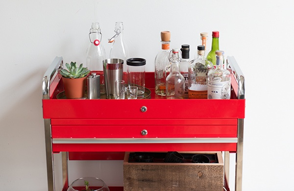 inside-the-photogenic-home-of-two-pro-photographers_barcart_600c390