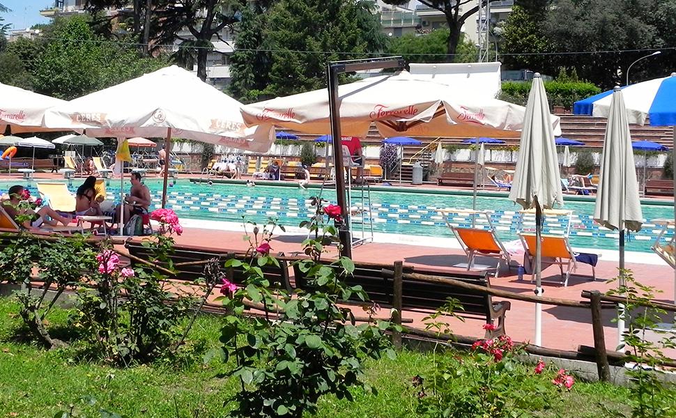piscina delle rose roma