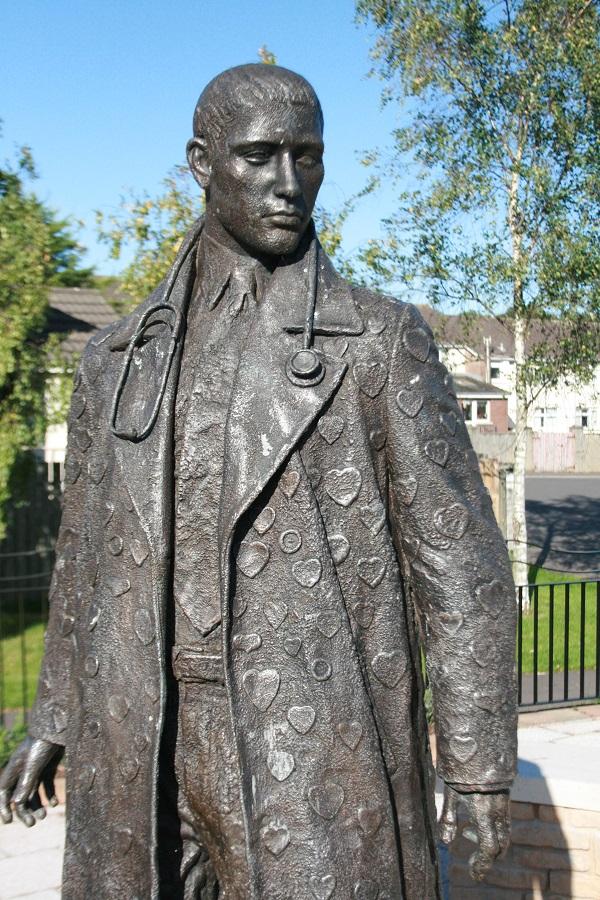 St Luke sculpture by Ross Wilson