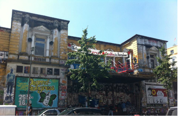 Rote Flora - autonomes Zentrum im Schanzenviertel