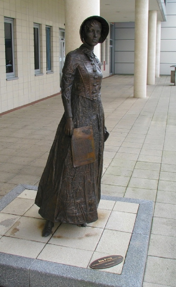 Ella Pierrie sculpture by Ross Wilson