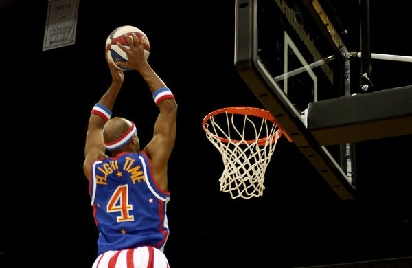 """Flight Time"" Lang of the Harlem Globetrotters Talks Trick Shots, Slam Dunks, and Special Moves"