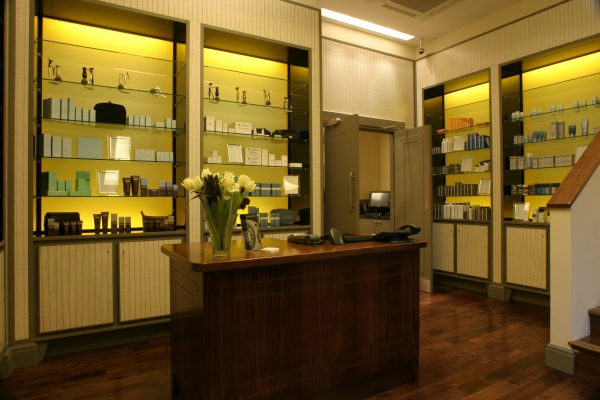 Inside Gentleman's tonic - one of the best barbers in London