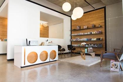 In The Loop Salon ae5cf81f-0b43-432c-9979-d7213fdf63c4