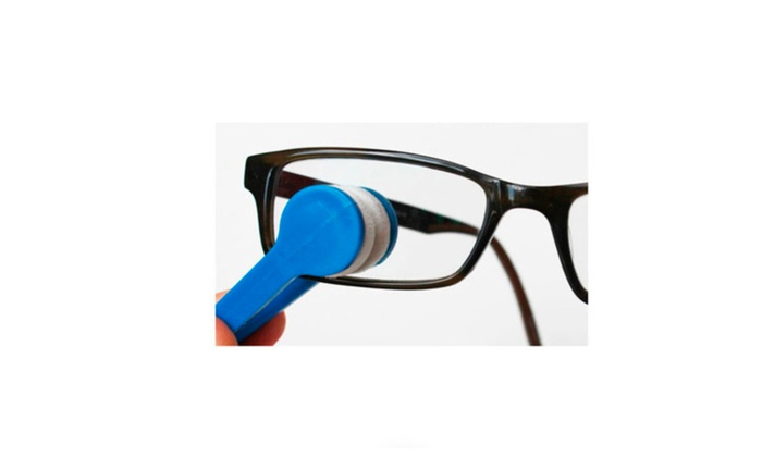 Comfortly Using Microfiber Cleaning Tongs for Eye and Sun Glasses