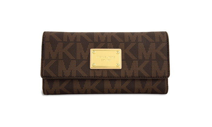 4ba5f88b6da8 Up To 13% Off on Michael Kors Jet Set Checkboo... | Groupon Goods