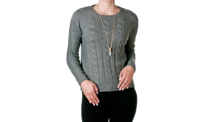 Timing Cable-Knit Round Neck Sweater SK679B