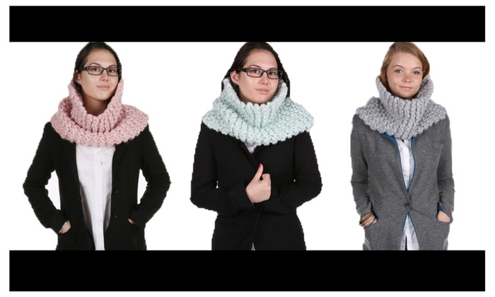 Cable Knit Single Warp Button Embellished Tassel Scarf
