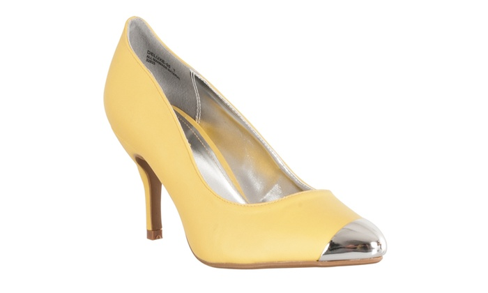 Riverberry Women's 'Deluxe' Metallic-detail Cap Toe Stilettos, Yellow
