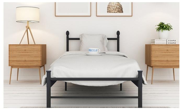 Platform Metal Bed Frame Mattress Foundation With