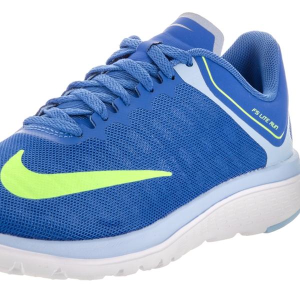 best sneakers 518c4 6824e Nike Women's FS Lite Run 4 Running Shoe